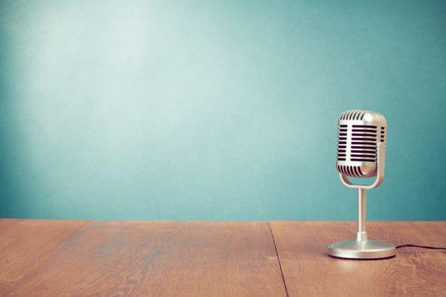 shutterstock_Blue Microphone 25percent smaller